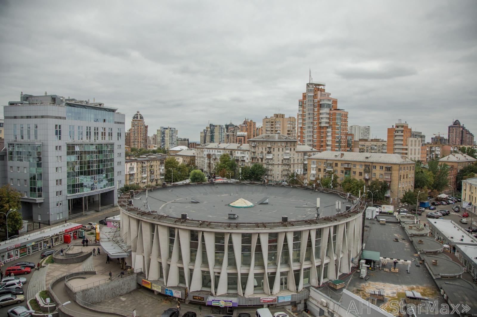 Продам апартаменты Киев, Панаса Мирного ул. 3
