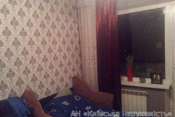 Продам квартиру Киев, Подлесная ул. 3