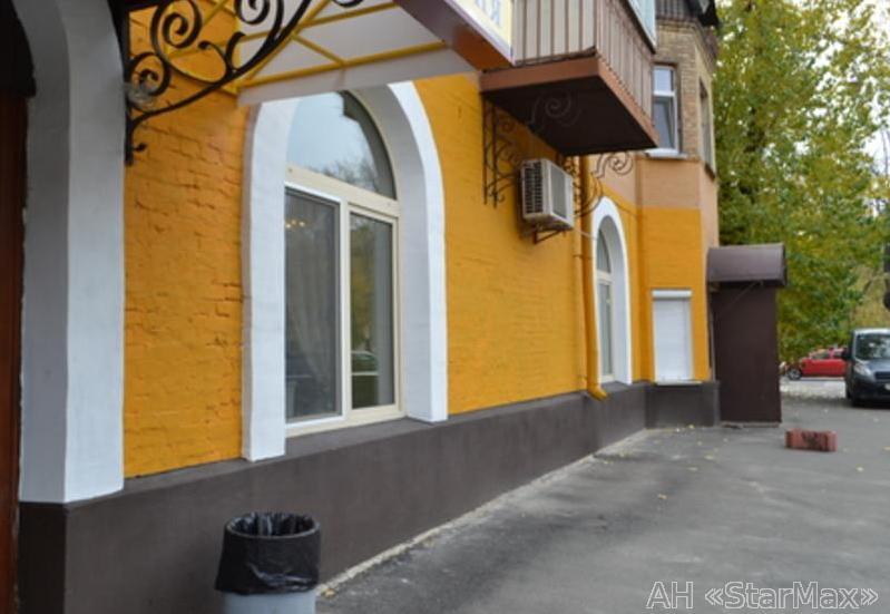 Продам торговое помещение Киев, Социалистическая ул.