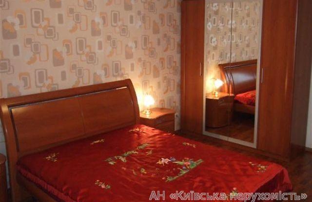 Продам квартиру Киев, Нежинская ул. 4