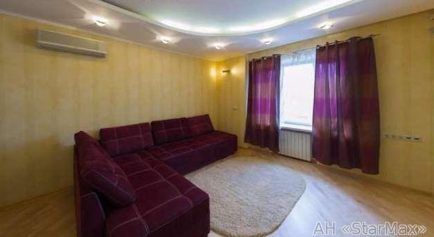 Продам квартиру Киев, Сеченова ул. 4