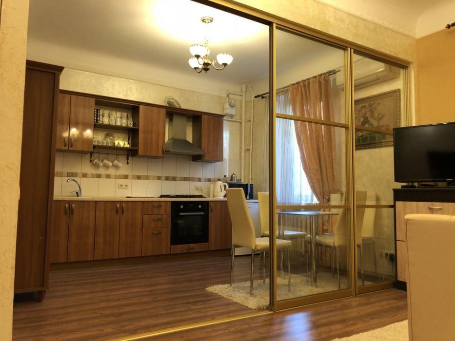 Продам квартиру Днепропетровск, Паторжинского ул. 4