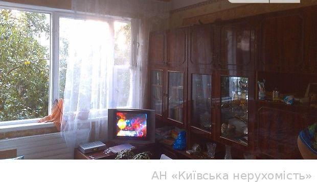 Продам квартиру Киев, Захаровская ул. 4