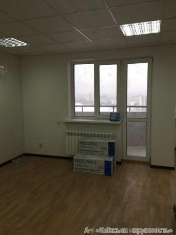 Сдам офис в многоквартирном доме Киев, Героев Сталинграда пр-т 5