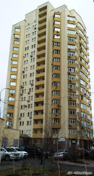 Продам квартиру Киев, Луначарского ул. 2