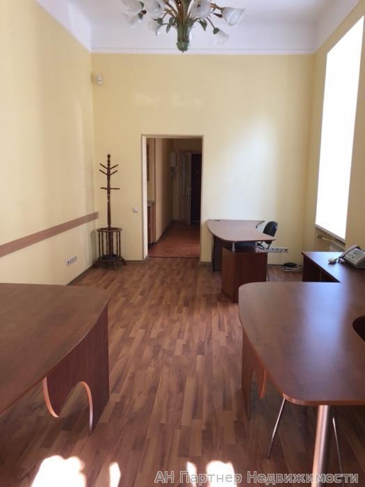 Сдам офис в многоквартирном доме Киев, Ярославов Вал ул.