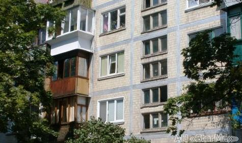 Продам квартиру Киев, Карбышева Генерала ул. 2