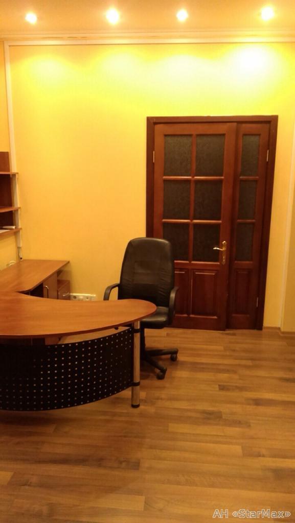 Продам офисное помещение Киев, Шелковичная ул.