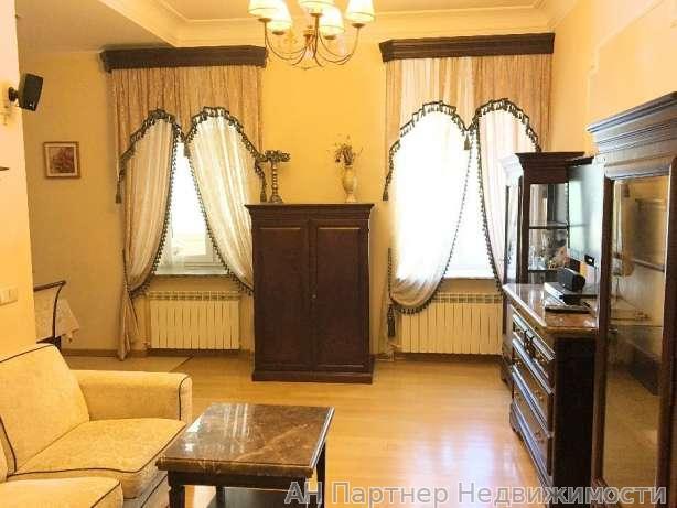 Продам квартиру Киев, Верхний Вал ул. 2
