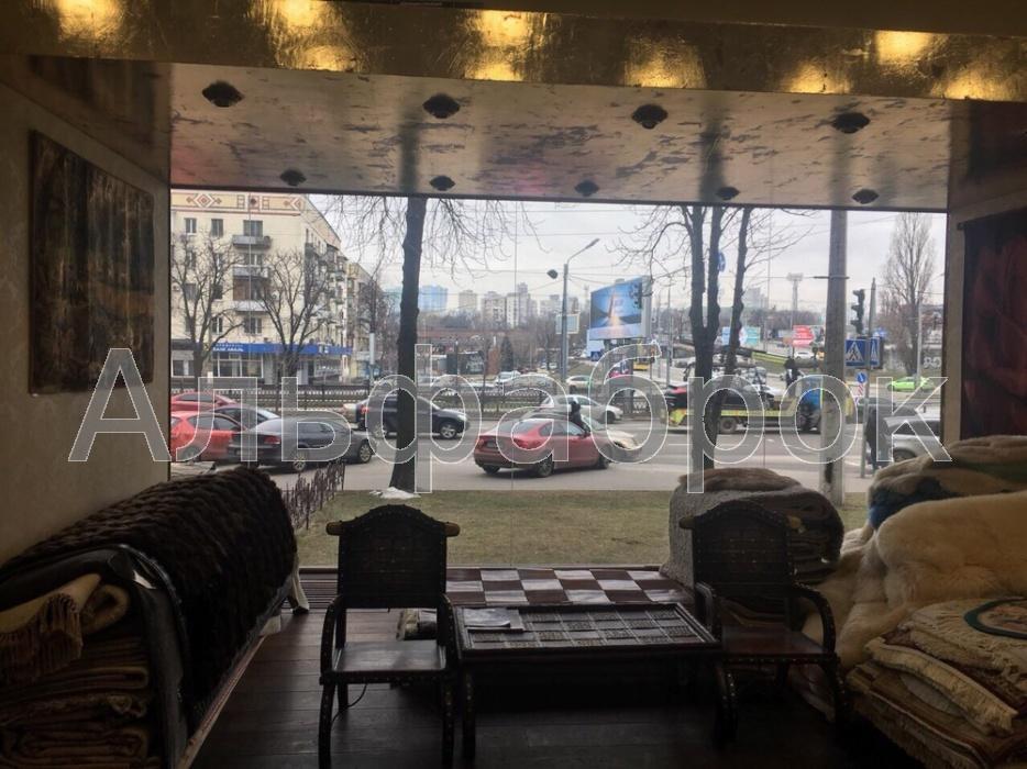 Продам торговое помещение Киев, Победы пр-т