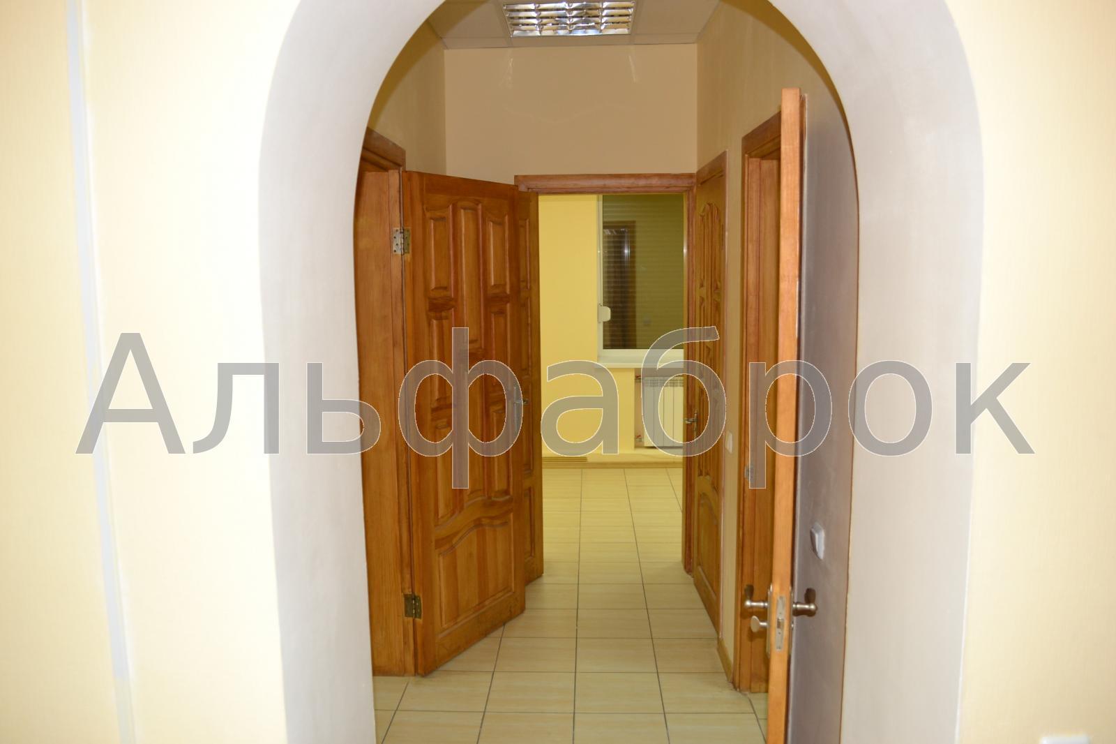 Продам офисное помещение Киев, Первомайского Леонида ул. 5