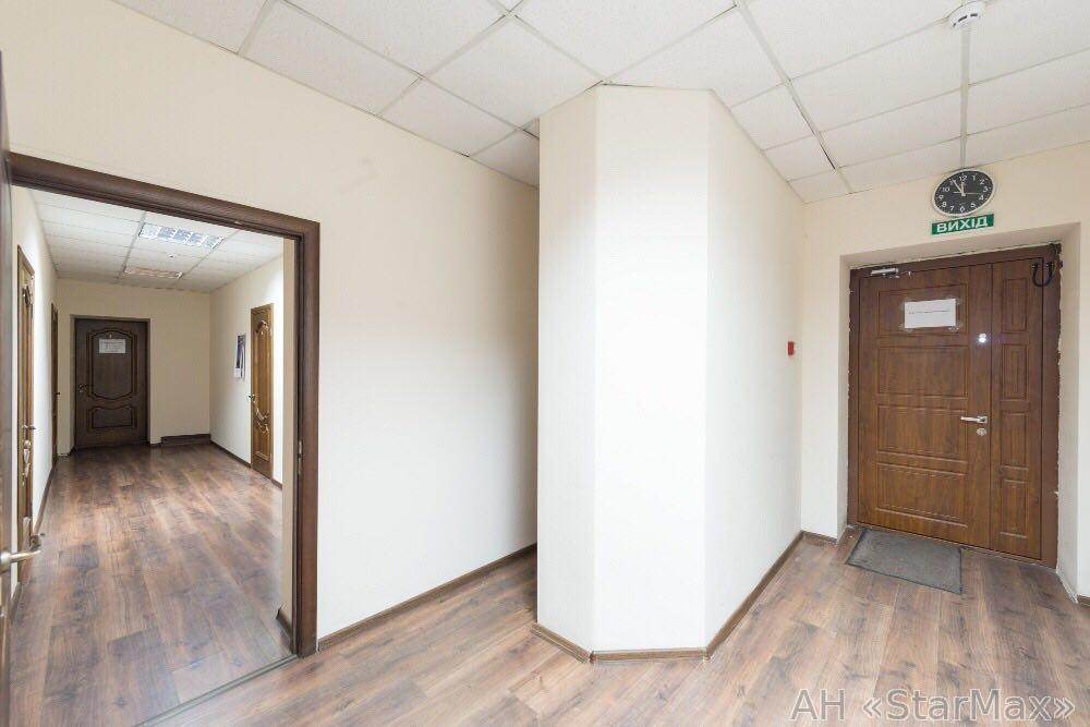 Продам офисное здание Бровары, Киевская ул.