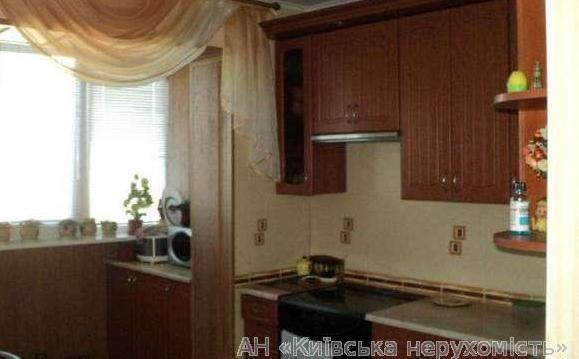 Продам квартиру Киев, Беличанская ул. 4