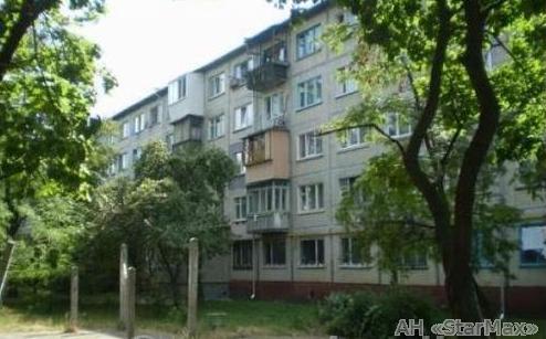 Продам квартиру Киев, Карбышева Генерала ул. 3