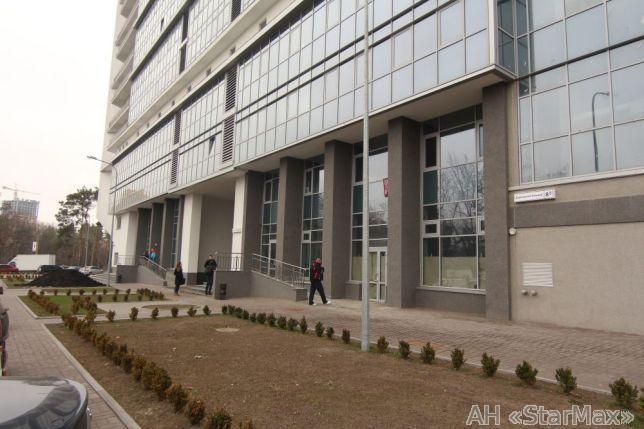 Продам торговое помещение Киев, Дарницкий бул.
