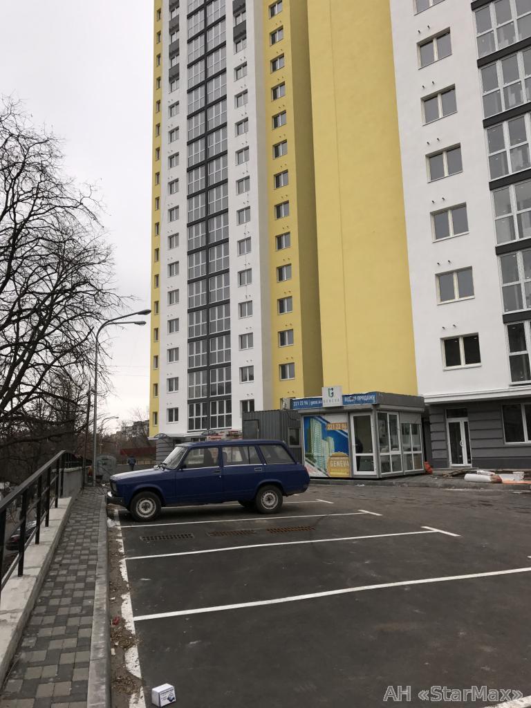 Продам офис в многоквартирном доме Киев, Лепсе Ивана бул.