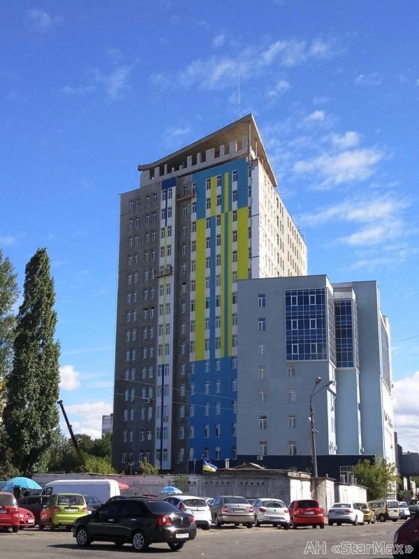 Продам офис в многоквартирном доме Киев, Светлицкого ул.