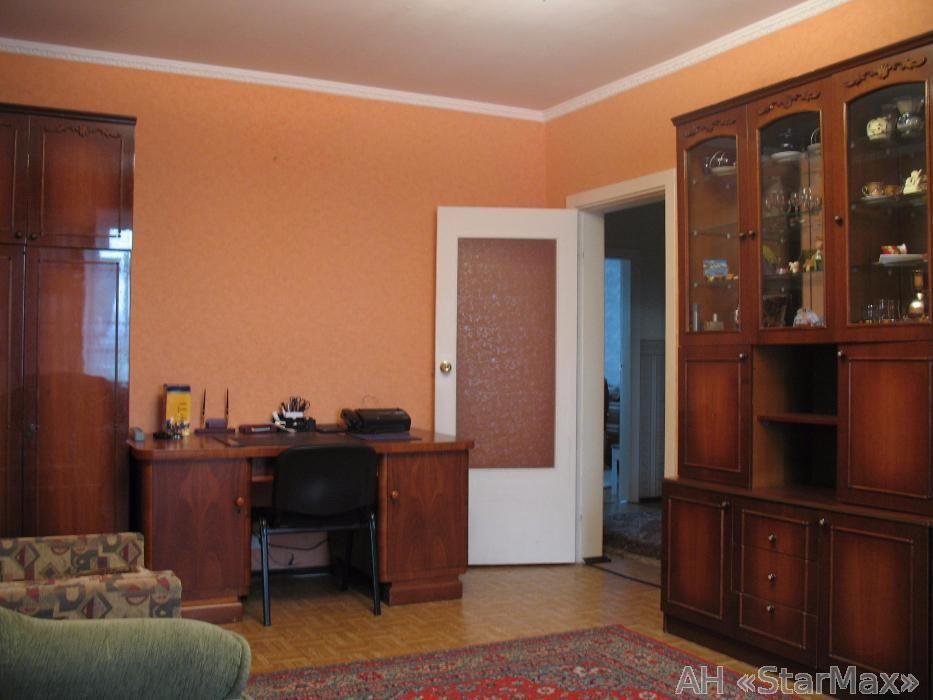 Продам квартиру Киев, Новаторов ул. 3