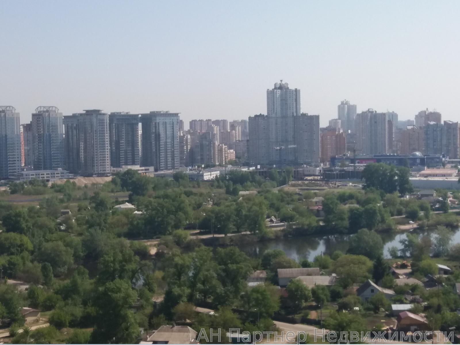 Продам квартиру Киев, Заречная ул. 4