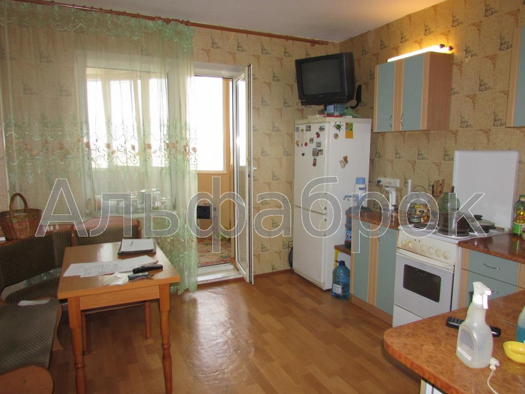 Продам квартиру Киев, Милославская ул. 4