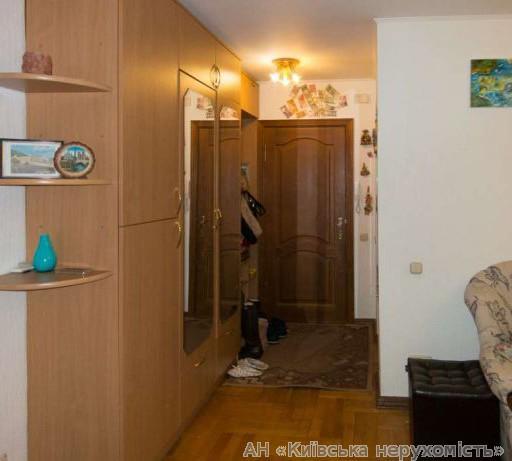 Продам квартиру Киев, Половецкая ул. 4