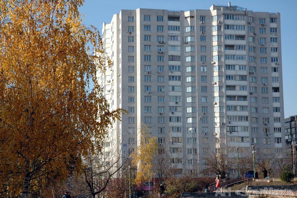Продам квартиру Киев, Прилужная ул. 2