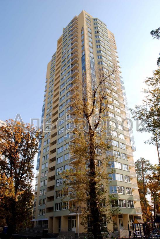 Продам квартиру Киев, Верховинная ул.