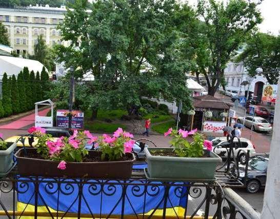 Сдам офис в многоквартирном доме Киев, Сагайдачного Петра ул. 3
