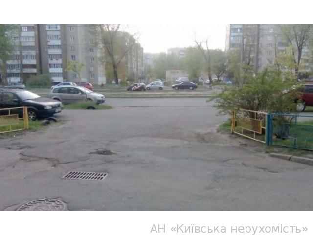 Продам квартиру Киев, Тростянецкая ул. 5