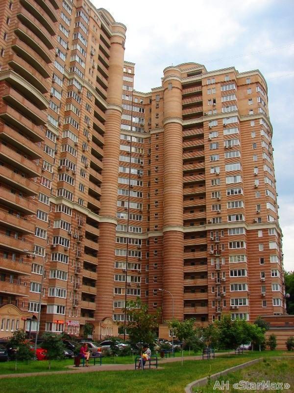 Продам квартиру Киев, Голосеевская ул.