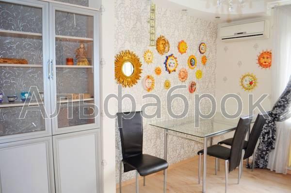 Продам квартиру Киев, Лобановского ул. 5