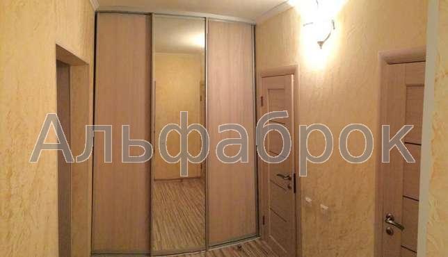 Продам квартиру Киев, Хорольская ул. 4
