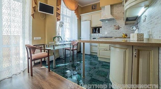Продам квартиру Киев, Январский пер.