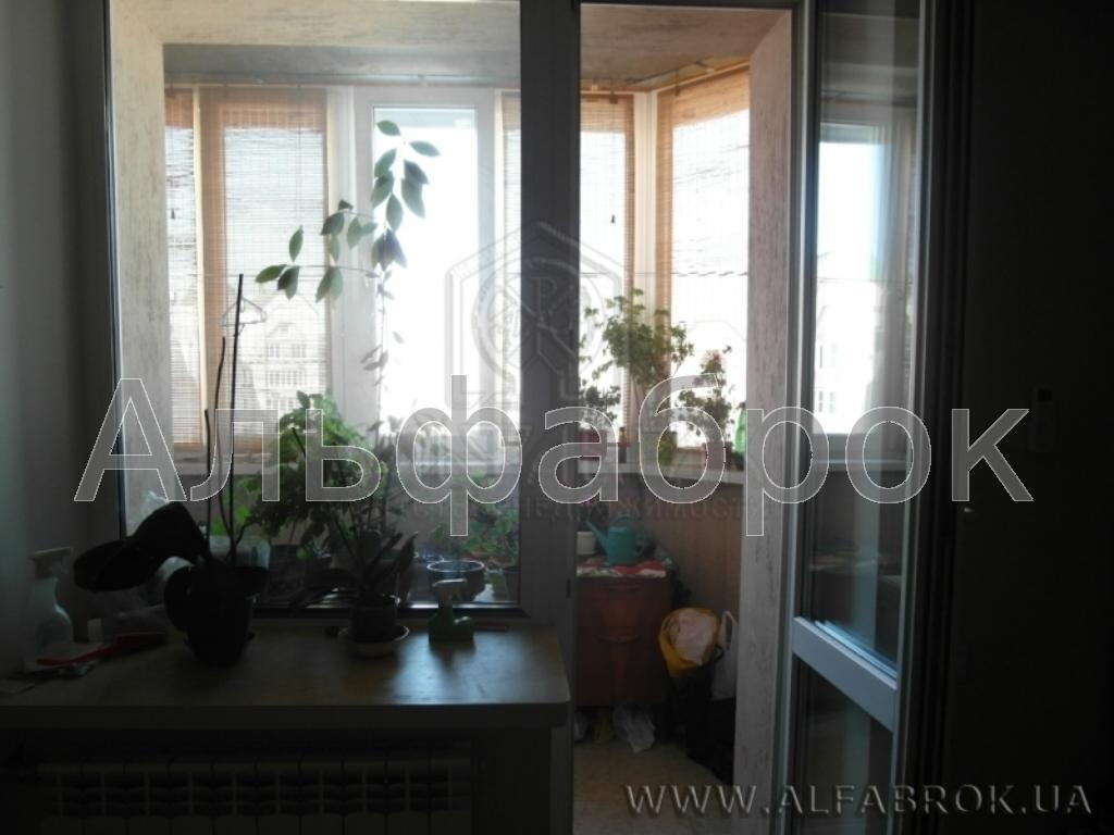 Продам квартиру Киев, Лебедева-Кумача ул. 3