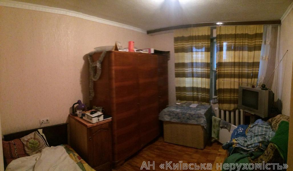 Фото 4 - Продам квартиру Киев, Приозерная ул.