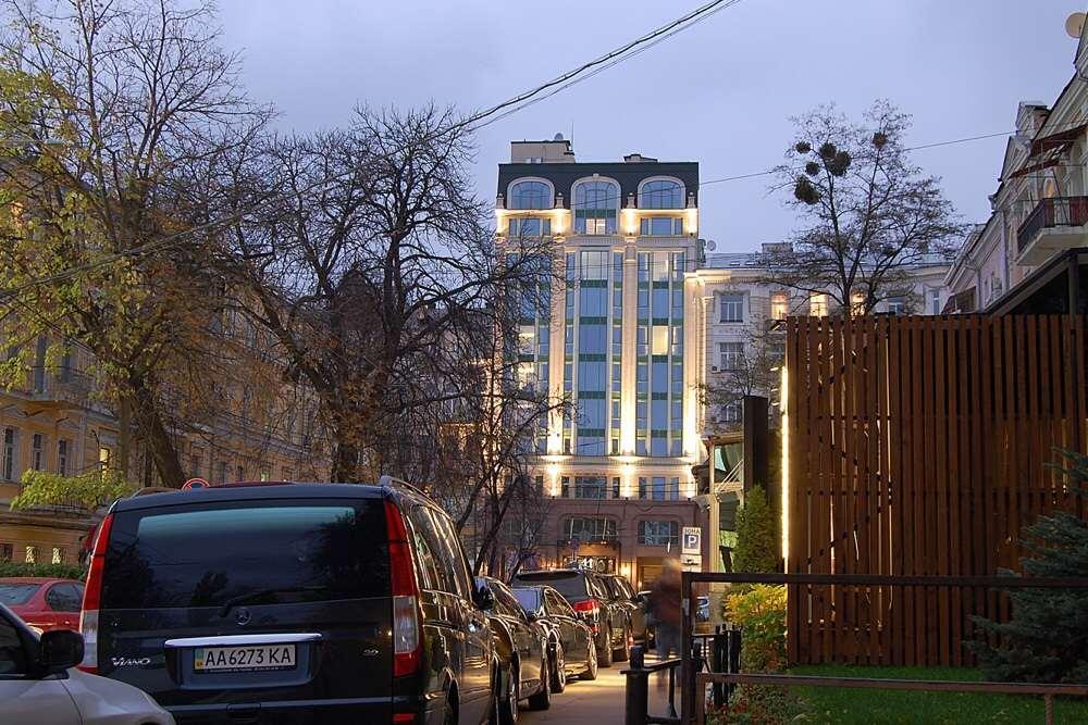 Сдам офисное помещение Киев, Леонтовича ул.