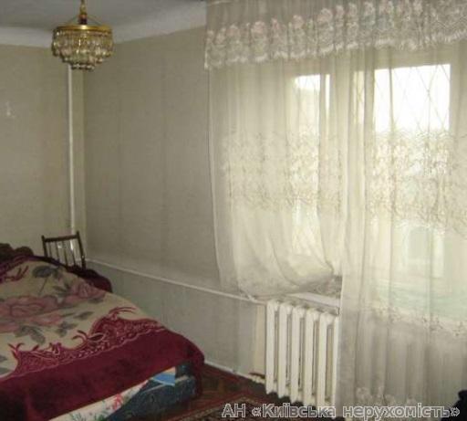 Продам квартиру Киев, Кустанайская ул. 2