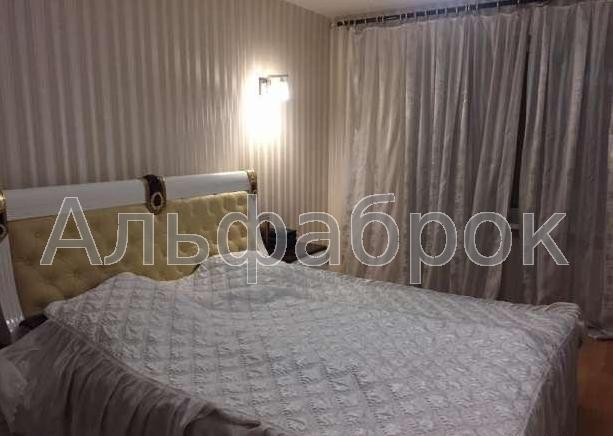 Продам квартиру Киев, Луначарского ул.