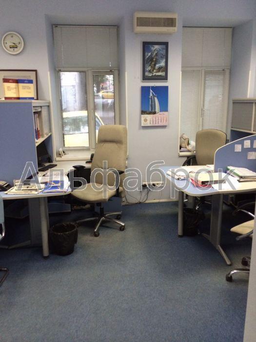Продам офис в многоквартирном доме Киев, Бульварно-Кудрявская ул.