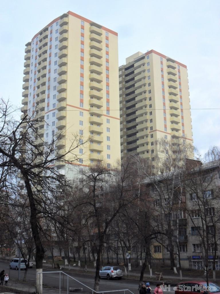 Продам квартиру Киев, Западная ул.