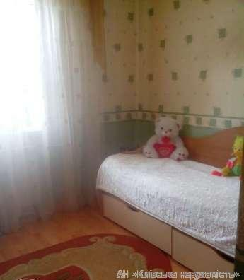Фото 3 - Продам квартиру Киев, Набережно-Корчеватская ул.