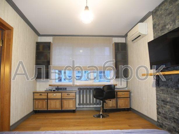 Продам квартиру Киев, Приозерная ул.
