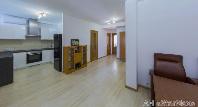 Продам квартиру Киев, Комбинатная ул.