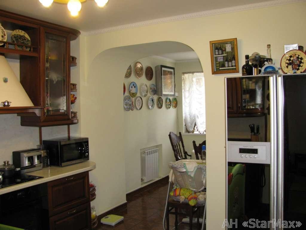 Продам квартиру Киев, Олевская ул. 5