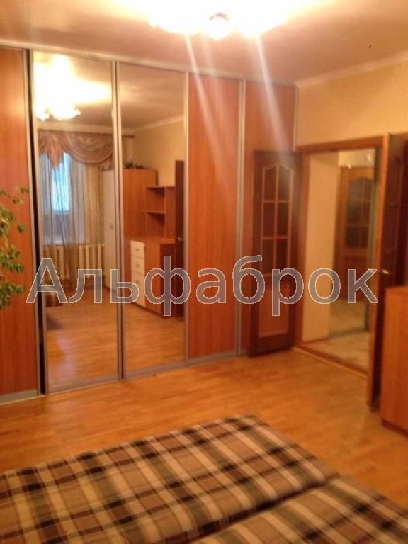 Продам квартиру Киев, Верховинца Василия ул. 2