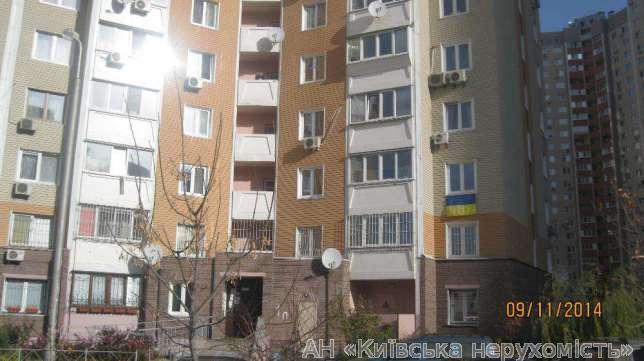 Фото - Продам квартиру Киев, Урловская ул.