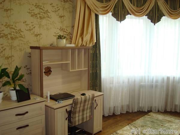 Продам квартиру Киев, Казацкая ул. 4