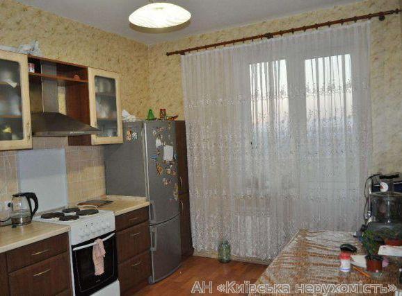 Продам квартиру Киев, Полесская ул. 4