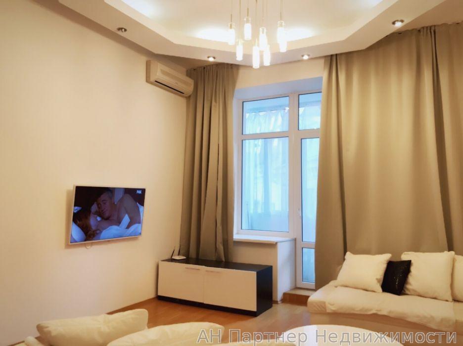 Продам квартиру Киев, Пушкинская ул. 3