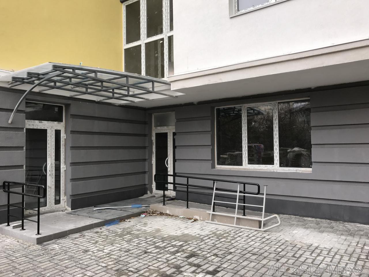 Продам офис в многоквартирном доме Киев, Лепсе Ивана бул. 2
